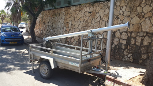 Trailer mounted telescopic mast