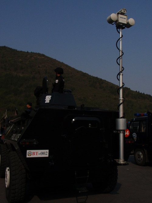 装甲車両監視システム
